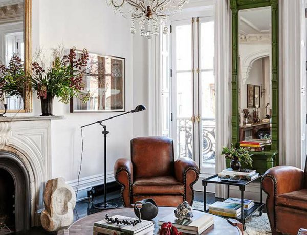 Roman and Williams' Home Designs with Eclectic Living Rooms