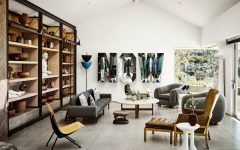 Ryan Murphy's Mid-Century Modern Living Room in Laguna Beach FEAT mid-century modern living room Ryan Murphy's Mid-Century Modern Living Room in Laguna Beach Ryan Murphys Mid Century Modern Living Room in Laguna Beach FEAT 240x150