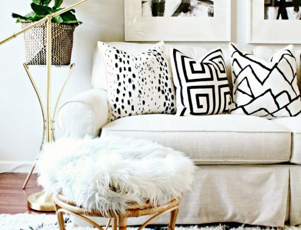 living room Living Room Spaces that Use Pillows to Soften and Style Living Room Spaces that Use Pillows to Soften and Style 12 600x460