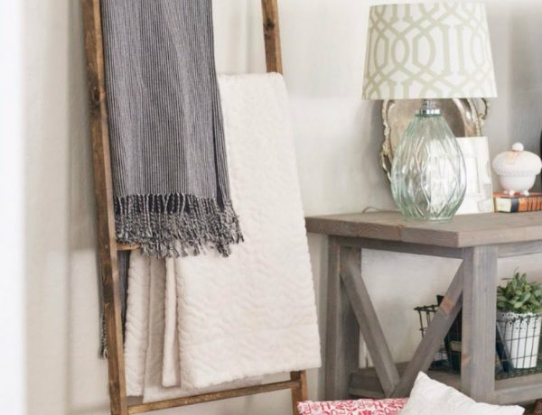 living room 8 Ways To Style A Ladder Blanket Rack In Your Living Room capa 15 600x460