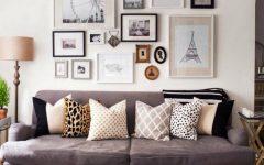 living room Inspiring Ways To Display Art At Living Room capa 8 240x150