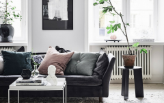 5 Leather Sofas, Or 'We Found What Your Living Room Was Missing' black leather sofas 5 Black Leather Sofas, Or 'We Found What Your Living Room Was Missing' 5 Leather Sofas Or We Found What Your Living Room Was Missing feat 240x150