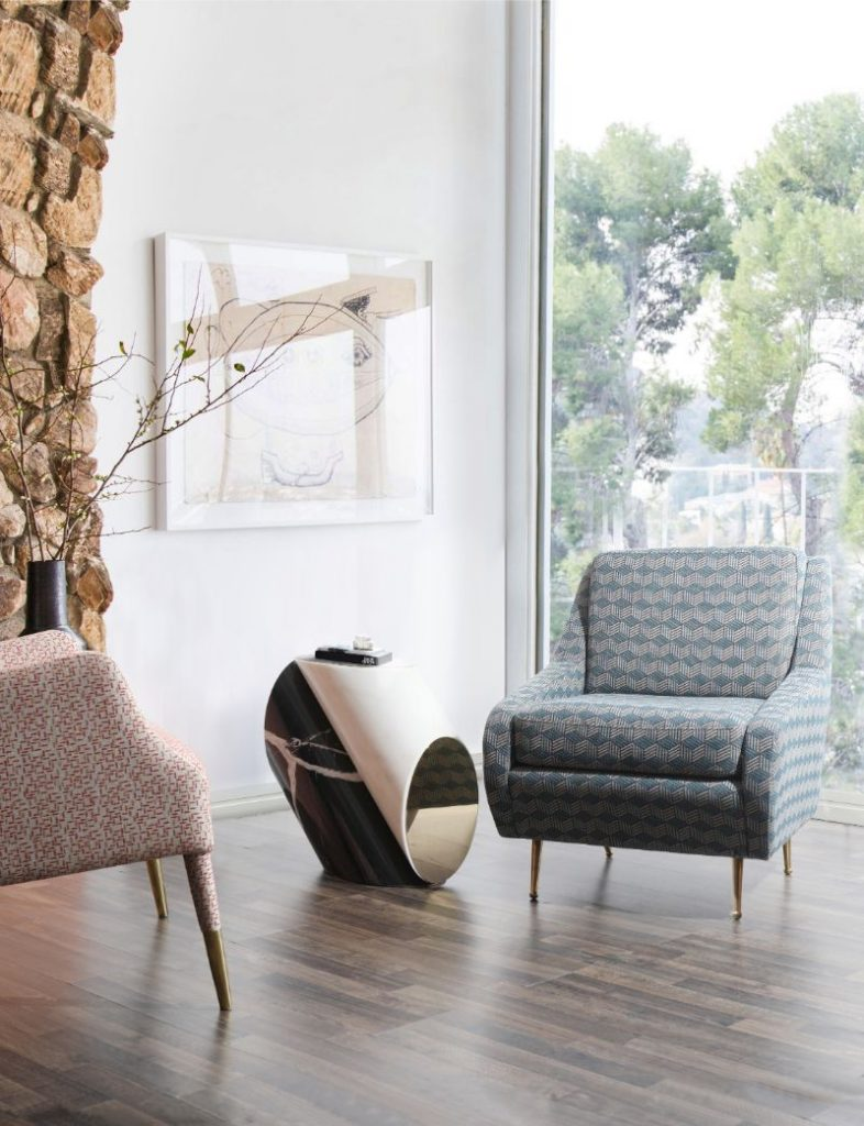 side table How To Style A Small Round Side Table In Your Living Room Decor How To Style A Small Round Side Table In Your Living Room Decor1 786x1024