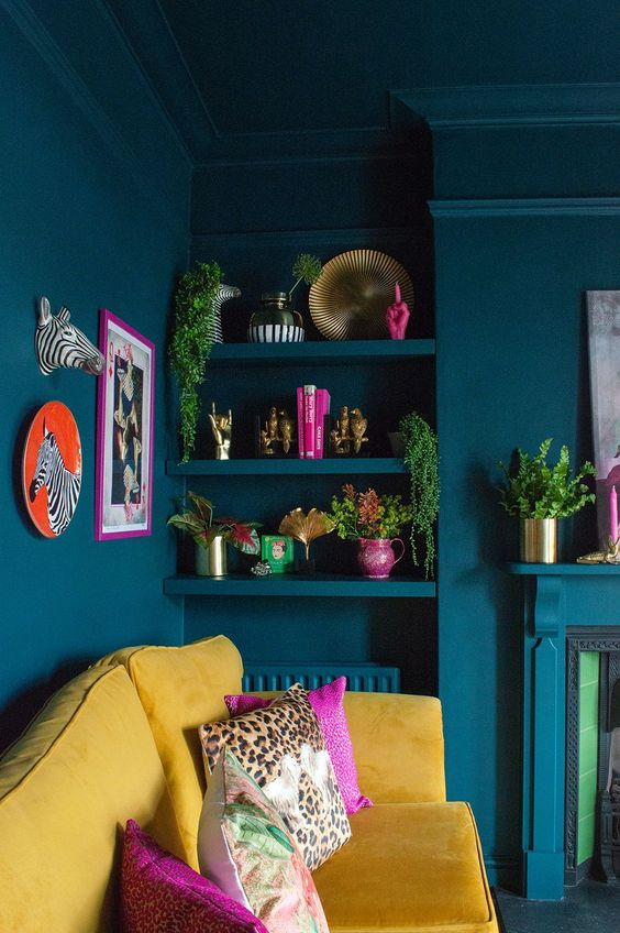 15 Maximalist Living Room Decor Ideas For Your Heart's Content_12 maximalist living room 15 Maximalist Living Room Decor Ideas For Your Heart's Content 15 Maximalist Living Room Decor Ideas For Your Hearts Content 12