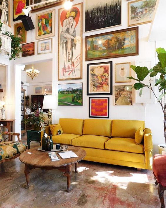 15 Maximalist Living Room Decor Ideas For Your Heart's Content_6 maximalist living room 15 Maximalist Living Room Decor Ideas For Your Heart's Content 15 Maximalist Living Room Decor Ideas For Your Hearts Content 6