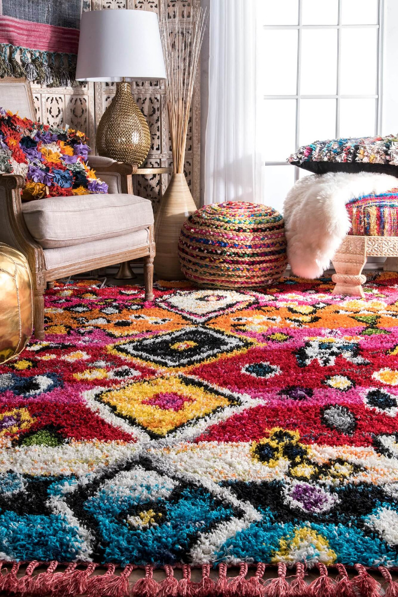 home décor Middle Eastern DIY Home Décor Ideas! 14 Colourful moroccan rug modern shag tassel seating Arabic inspired interiors Nonagon style n9s