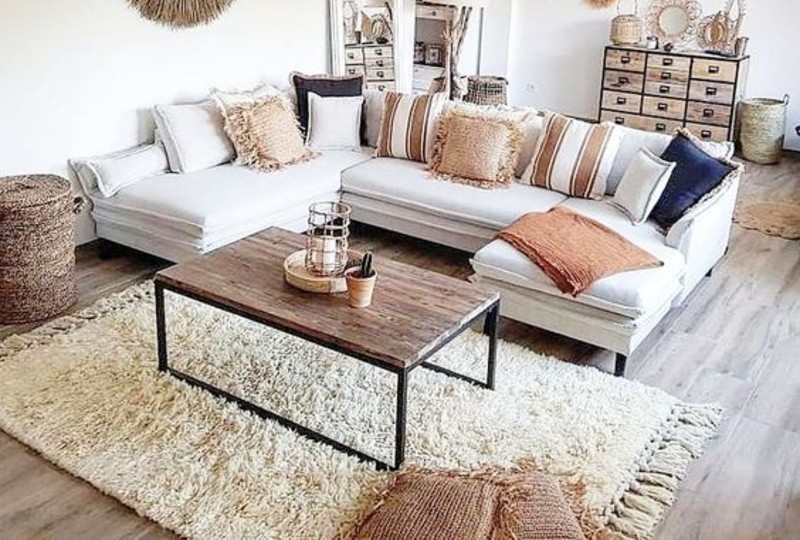 Living Room Ideas To Make The Most Of Your White Sofa This Summer! living room ideas Living Room Ideas To Make The Most Of Your White Sofa This Summer! 2b30e77a0fd11385c5ef20382020465e 1