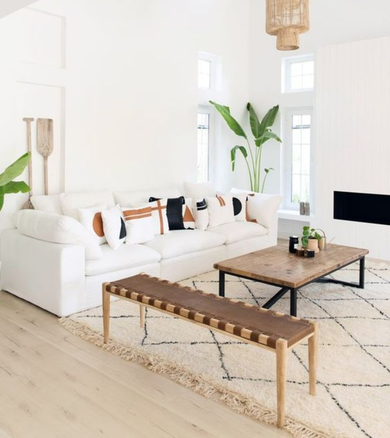 Living Room Ideas To Make The Most Of Your White Sofa This Summer! living room ideas Living Room Ideas To Make The Most Of Your White Sofa This Summer! 4929d8a6f1264aea5194e8d7607d79b1 1
