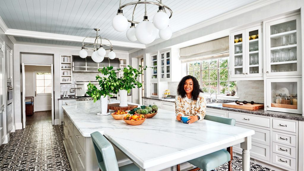 Check out if your Favourite Celeb has a Mid-Century Living Room.  Check out if your Favourite Celeb Has a Mid-Century Living Room. Shonda Rhimes 1024x576