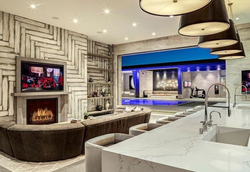 A New Living Room for Kylie Jenner! new living room Step Inside The New Living Room of Kylie Jenner and Get The Look! kylie 4