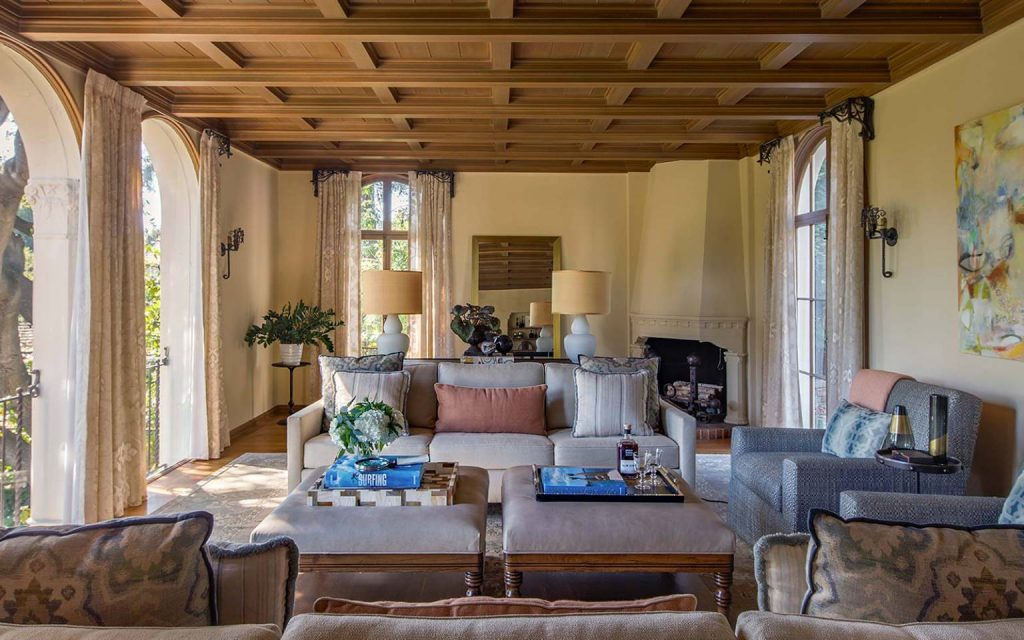 Our Favorite Living Room Designs By Interior Designer Laura Martin Bovard_6 laura martin bovard Our Favorite Living Room Designs By Interior Designer Laura Martin Bovard Our Favorite Living Room Designs By Interior Designer Laura Martin Bovard 6 1024x640