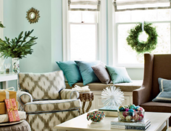 Our Favorite Christmas Decorated Living Rooms You'll Want To Replicate christmas decorated living rooms Our Favorite Christmas Decorated Living Rooms You'll Want To Replicate Our Favorite Christmas Decorated Living Rooms You   ll Want To Replicate 600x460