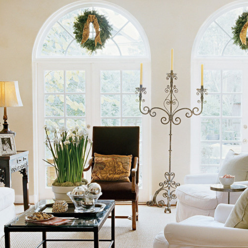 Our Favorite Christmas Decorated Living Rooms You'll Want To Replicate_1