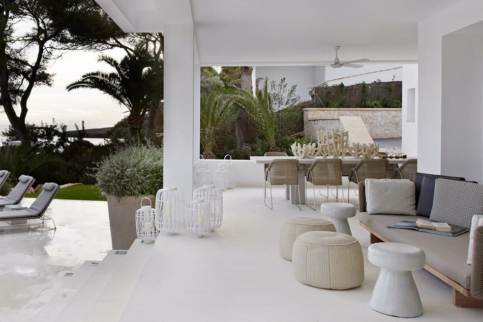 Brilliant Living Room Projects by Top Interior Designer Fiona Barratt_5