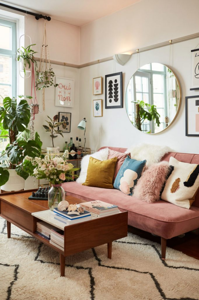 8 Vintage Living Room Ideas That You Will Absolutely Adore This Summer_3